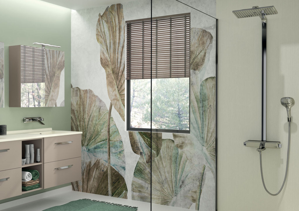 salle-de-bains-végétale-meuble-de-salle-de-bains-et-douche-beige-receveur-equilibre-et-panneau-de-douche-longline-beige-strada+-ambiance-bain