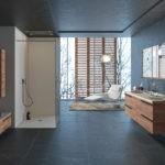 Salle de bains haut de gamme, meuble de salle de bains bois Joya Ambiance Bain, miroir, douche beige Elegance, receveur et panneaux muraux de douche
