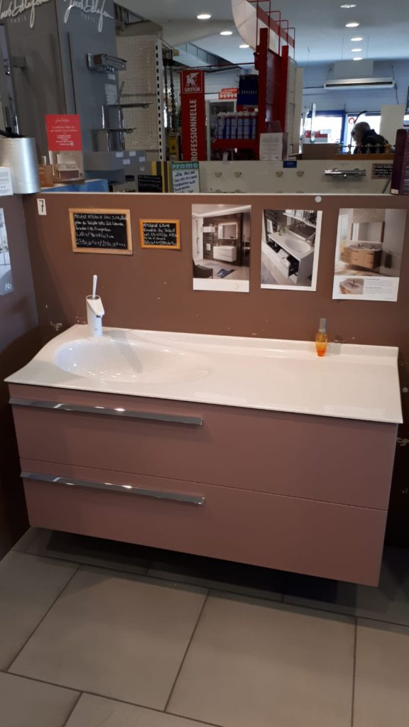 meuble vasque rose joya ambiance bain design mathilde bretillot, 2 tiroirs, miroir, ambiance bain